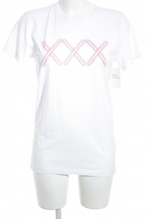 T-shirt wit-zalm casual uitstraling