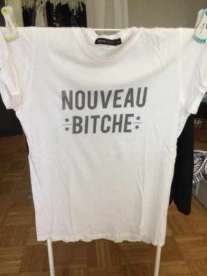 "T-Shirt weiß ""nouveau bitch"""