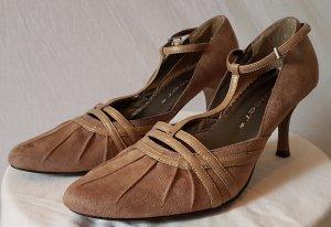 Zapatos de tacón con barra en T camel