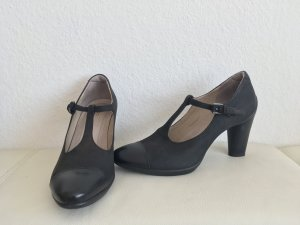 T-Strap Pumps Vintage Look