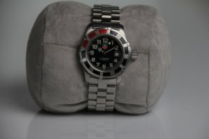 TAG HEUER Watch With Metal Strap silver-colored-black stainless steel