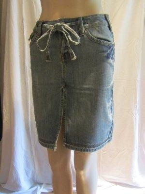 Tailierter Jeansrock von Mango