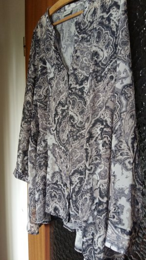 Taillierte Bluse mit Wasserfallschnitt