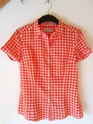 Taillierte Hemdbluse im roten Karo