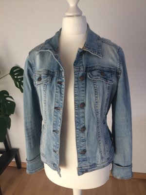 Taillierte Jeansjacke von Mango