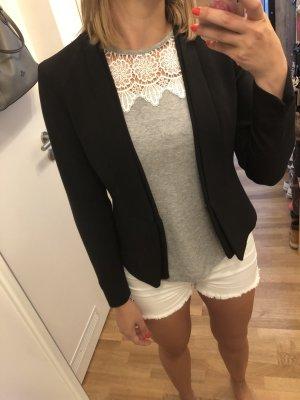 Taillierter Blazer in schwarz