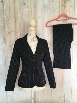 Costume business noir