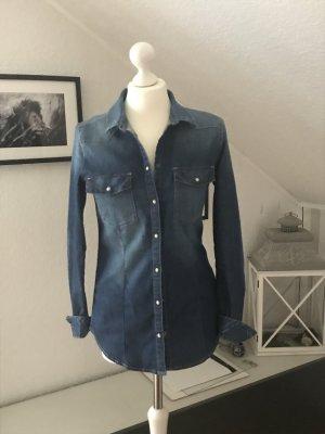 Tailliertes Jeanshemd von Esprit in Größe M zu verkaufen