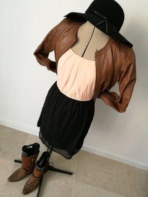 Tailliertes Kleid Vero Moda