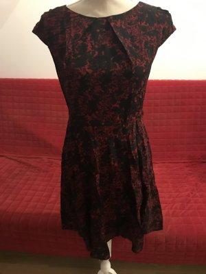 Tailliertes Kleid von Apricot Gr. M/L