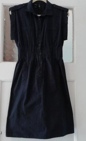 Tailliertes Kleid von Mango