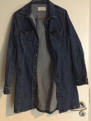 Tailliertes Strech-Jeanskleid