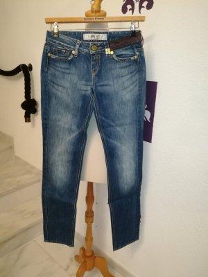 TAKE TWO Jeans