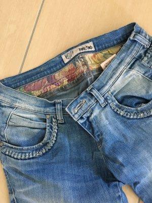 Take Two Jeans mit Applikationen