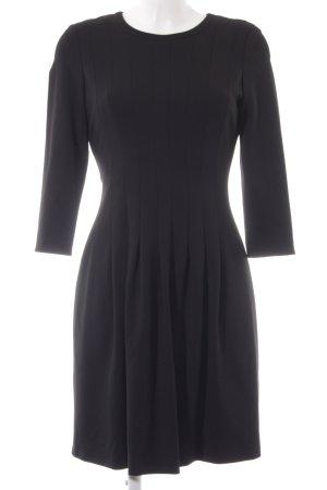 talk about Vestido elástico negro elegante