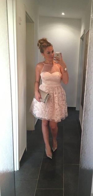 Talliertes Abendkleid von Ariana Grande