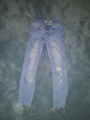 Tally Weijl Ripped Capri Jeans