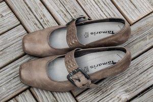 Tamaris 37 Pumps Anti Shokk Riemchen Nieten beige braun Business Büro Damen grau