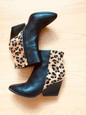 Tamaris Ankle Boots schwarz mit Leo-Look