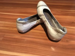 Tamaris Patent Leather Ballerinas light grey-silver-colored