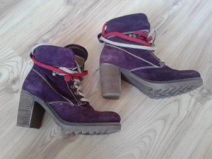 Tamaris Lace-up Booties brown-purple