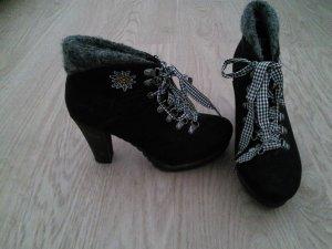 Tamaris-Schuhe im Oktoberfestlook