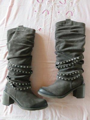 Tamaris Stiefel mit Nietenketten , Größe 38 , SUPERZUSTAND !!! Leder !!