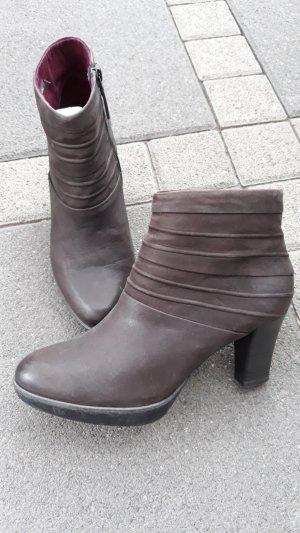 Tamaris Platform Booties bordeaux-brown red leather