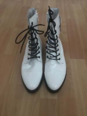 Tango Lace-up Booties white