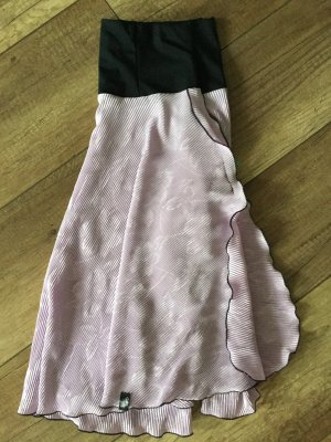 Falda asimétrica púrpura