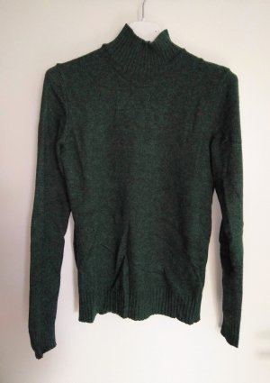 tannengrüner Pullover