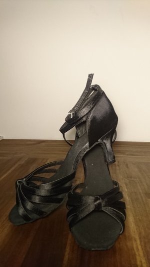Strapped High-Heeled Sandals black