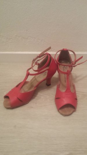 Exclusive Danceshoes T-Strap Sandals red