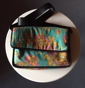 Tasche aus Luftmatratze (airbag craftworks)