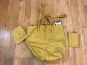 Carpisa Sac porté épaule jaune