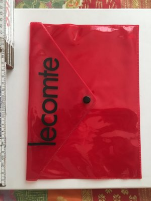 Tasche Clutch lecomte transparent Druckknopf rot Logo Schriftzug Szene Club Ausgeh cool