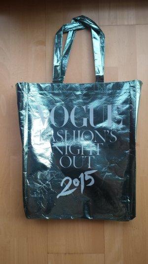 Tasche der Vogue Fashion Night Out 2015