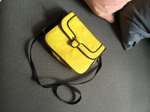 Tasche in Neonpink von Mango