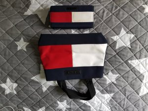 Tasche inkl. passendem Portemonnaie von Tommy Hilfiger