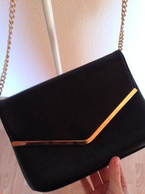 Tasche mit goldener Hardware
