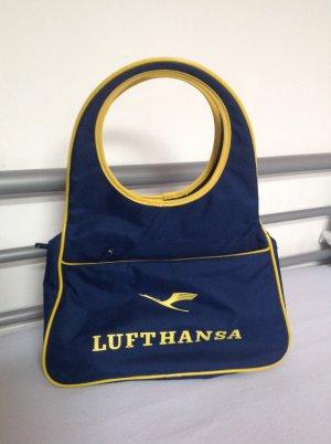 Tasche mit Lufthansa Aufdruck