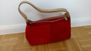 Tasche mit rotem Fellimitat und Ledertrageriemen von Bruder Accessoires Italy