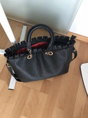 Tasche mit Rüschen in schwarz aus Paris