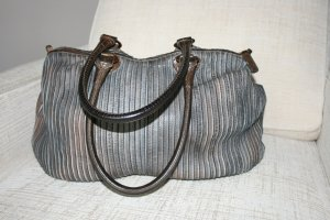 Tasche/Schultertasche von M A J O in grau-schwarz NP 589 € sehr gut erhalten