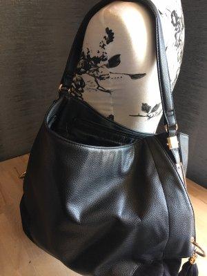 Tasche schwarz mit Quasten