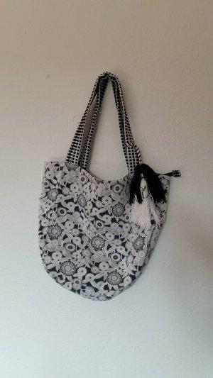 Tasche schwarz weiß von Deichmann