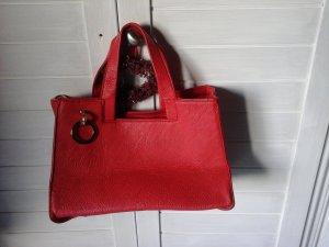 Tasche sehr chic in schönem Rotton