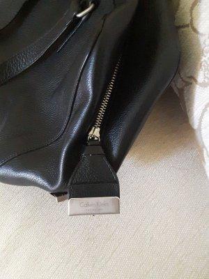 tasche von calvin klein in leder farbe schwarz