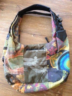Tasche von Desigual mit schönen Details