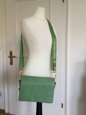 Tasche von Gustav in frischem Grün